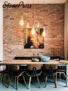 Wij zijn de makers van levensechte industriële bakstenen look muren. Bezoek www.stonepress.nl voor meer informatie! ____ Stonepress, kanonproducts, baksteen, bakstenen, industriële muren, industrieel wonen, betonlook, wonen, interieur, architect, horeca, interieur, basteenbehang, loft, woonkamer, slaapkamer, badkamer, keuken, inspiratie, verbouwen, verhuizen, baksteenlook, bakstenen, muurdecoratie, wall, briks, industrial, vtwonen, steenstrips, restaurant Industrial Cafe, House Goals, Scandinavian Interior, Brick Wall, Room Inspiration, Interior And Exterior, Sweet Home, New Homes, Room Decor