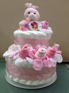 Baby Shower Nappy Cake, Diaper Cake Boy, Nappy Cakes, Baby Shower Diapers, Baby Shower Gifts, Pamper Cake, Baby Bouquet, Diy Baby Gifts, Baby Shower Centerpieces