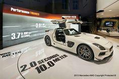 SLS AMG GT3, Mercedes Benz Gallery at Odeonsplatz, Munich