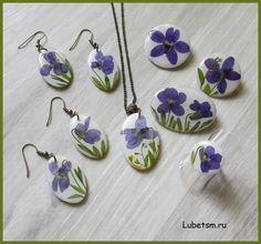Фиалки, серия. Полимерная глина, натуральные цветы, эпоксидная смола.
