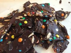 Kiddie Candy Bark. An easy treat that your kids will love!