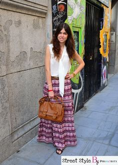 Street Style by Primeriti María Cuadra Street Style, My Style, Skirts, Fashion, Sleeveless Tops, Trends, Clothing, Moda, Skirt