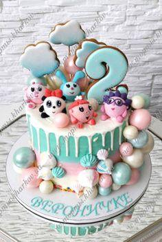 Детский торт без мастики с пряниками и малышариками