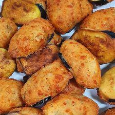 Yemeyen Bin Pişman: Sıcak Sıcak Rum Böreği Nasıl Yapılır? İşte Rum Böreği Tarifi! - onedio.com Kombucha, Potatoes, Vegetables, Easy, Recipes, Food, Potato, Recipies, Essen