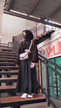 Modest Fashion Hijab, Modern Hijab Fashion, Street Hijab Fashion, Casual Hijab Outfit, Hijab Fashion Inspiration, Muslim Fashion, Hijab Style Tutorial, Islamic Girl, Girl Hijab
