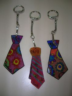 Porte-clés cravate en plastique dingue pour la fête des pères