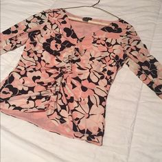 🎀I.N.C. Floral Blouse I.N.C. Floral blouse in pinks and brown color way. Cinched down the center with ruffle detail. V-Neck in nylon material. Size medium. INC International Concepts Tops Blouses