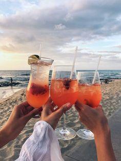 Four Seasons Hualalai Summer Feeling, Summer Vibes, Jugo Natural, Foto Pose, Summer Aesthetic, Summer Of Love, Summer Swag, Summer Drinks, Beach Photos