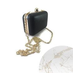 ✅ Pentru evenimentele speciale din viata ta ai nevoie de un plic finut si elegant. ♨️ Acum la REDUCERE ♨️ . . . . . #geanta #plic #imitatiepiele #pieleeco #geantaaurie #geantaplic #cadoulperfect #cadou #cumparaturionline #accesoriifashion #festivalfashion #instabijuterii #reduceri #buchareststyle #chokeronline #lebriz #accesorii #bijuterii #inel #ochelari #bratara #cercei #choker #accesoriionline #bijuteriionline #genti #geantafashion #petrecere #accesoriinunta Black Queen, Coin Purse, Wallet, Purses, Fashion, Pocket Wallet, Handbags, Moda, Diy Wallet