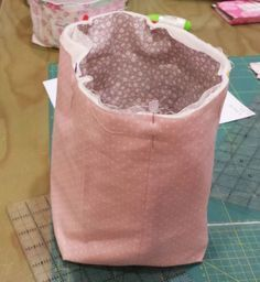 Discover thousands of images about Coolest DIY Storage Bins Fabric Boxes, Fabric Storage, Storage Bins, Diy Storage, Fabric Crafts, Sewing Crafts, Sewing Projects, Fabric Basket Tutorial, Quilted Bag