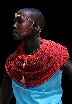 SAMBURU woman.  Oh that beautiful red.