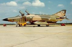 recce bird at Eglin AFB circa 1973 F4 Phantom, Phantom Power, Used Aircraft, Airplane Fighter, Emergency Response, Vietnam War, Helicopters, Military Aircraft, Airplanes