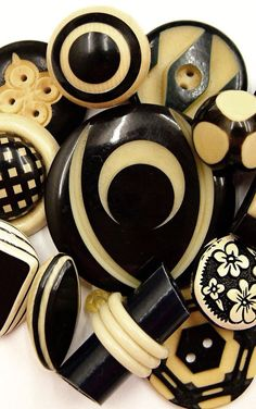 Vintage Art Deco black and cream celluloid buttons | Expired Ebay listing