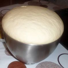 Primary dough for a number of recipes (pizza, turnovers, bread for sandwiches, donuts) Pizza Recipes, My Recipes, Cooking Recipes, Favorite Recipes, Cooking Bread, Cooking Chef, Kitchen Aid Artisan, Snacks, Beignets