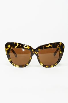Chelsea Leopard shades. fun vintage inspired sunglasses. if only i could pull them off...