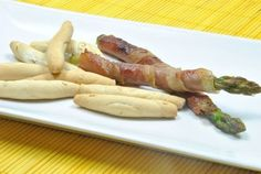 Espárragos Trigueros Envueltos en Jamón Prosciutto, Canapes, Asparagus, Sausage, Appetizers, Snacks, Meat, Vegetables, Cooking
