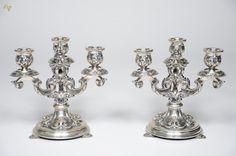 Par de castiçais de prata portuguesa contraste Águia, para 3 velas cada, ricamente decorados com con