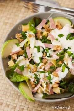 Mangez vite, Mangez bien: Salade d'Endives aux Noix, Comté, Jambon et Granny, Sauce crémeuse à la Ciboulette - Food for Love Clean Recipes, Cooking Recipes, Healthy Recipes, Fast Recipes, Salad Dressing Recipes, Salad Recipes, Eating Fast, Healthy Eating, Sauce Crémeuse