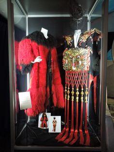 """Vestuario de Glenn Close como Cruella DeVil de """"101 dálmatas. Ahora la magia es real"""" y """"102 dálmatas"""""""