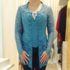 vera kebaya | love the v lining