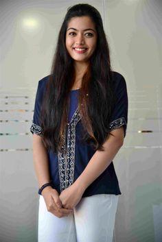Beautiful Girl Hd Wallpaper, Beautiful Girl Photo, Beautiful Girl Indian, Most Beautiful Bollywood Actress, Bollywood Actress Hot Photos, Beautiful Actresses, Beautiful Heroine, Tamil Actress, Actress Photos