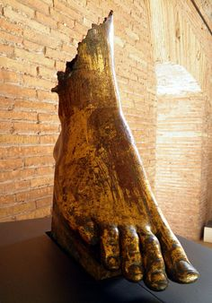 Frament of female statue of a Nike (right foot), discovered in the Forum of Augustus, Augustan age, Museo dei Fori Imperiali, Rome Statue Art, Zeus Statue, Historical Artifacts, Ancient Artifacts, Roman History, Art History, Ancient Rome, Ancient History, Symbole Viking