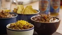 Break out your soup pot and fix up a batch of this delicious, spicy vegetarian chili today! It's ready in no time, and packed with vegetables, beans - and flavor! Tomato Based Chili Recipe, Best Chili Recipe, Chili Recipes, Crockpot Recipes, Yummy Recipes, Soup Recipes, Tailgate Chili Recipe, Vegetarian Chili, Meatless Chili