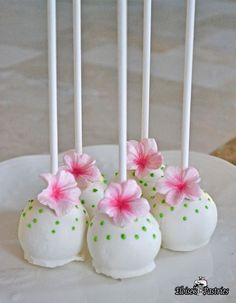Our moist and sweet cake pops are loved by one and all. Bring a little spring cheer to your next gathering. Color scheme can be customized. Includes 12. Available in either our vanilla or brownie pop