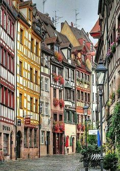 Let's take a walk on the historic street Weissgerbergasse (Tanner's Lane) in Nuremberg, Germany lined with old artisan houses. Photography by: Habub3 on Flickr