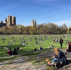 Photo by @didi.usa  #centralpark  #beautifulday #sun #sunny #manhattan #nyc #energy #spring #centralpark #newyork #newyorkers #newyorkcity #newyorkcitylife #manhattan #energy #goals