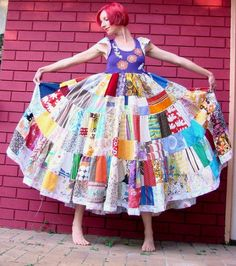 I saw this pi months ago!!!!! So as I am making my LARGE double-sided quilt....I m also cutting the fabric to make a version of this amazing dress!!!