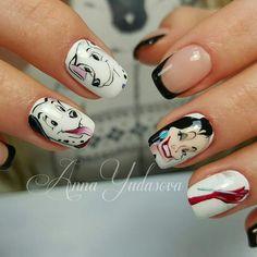 Anna Yudasova cute nails