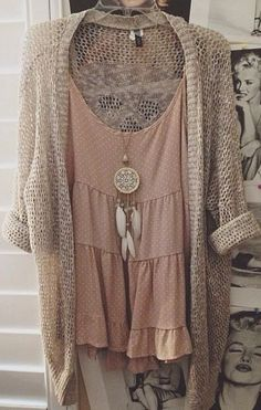 Love this necklace and the lace combination shirt and upper by a boho chic