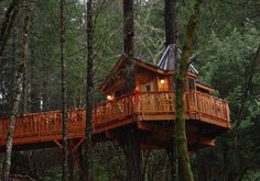 Treehouse hotel in Oregon.