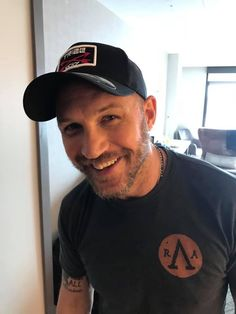 Check out Inherent Clothier shop for Premium Quality Suits! Tom Hardy Beard, Tom Hardy Hot, Most Beautiful Man, Gorgeous Men, Thing 1, Hollywood Actor, Hot Boys, Film, Sexy Men