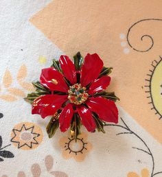 Vintage Poinsettia Christmas Brooch/Pin by LakesideVintageShop on Etsy