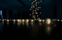 Felix Gonzalez-Torres, Bulbs by mauidw, via Flickr