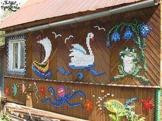 Mosaicos com tampas de garrafa, um jeito fácil e barato de decorar o ambiente