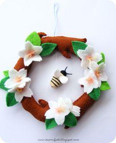 DIY Spring Felt Wreath Tutorial with FREE Pattern