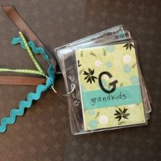 These mini brag books make the perfect gift for any proud grandparent or parent!  Posted by meredith.hazel