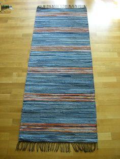 Textiles, Braided Rugs, Woven Rug, Cushion Covers, Weaving, Blue Rugs, Rag Rugs, Brain, Crafts