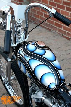 I know this pic is supposed be about the paint but look at those bars! Custom Choppers, Custom Motorcycles, Custom Bikes, Custom Motorcycle Paint Jobs, Custom Paint Jobs, Harley Davidson Knucklehead, Harley Bobber, Motorcycle Tank, Motorcycle Design