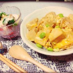 ごはんはノンオイル、ノンミートでヘルシーに♡食後にデザート食べるからね♡笑 - 18件のもぐもぐ - ほっこり。高野豆腐の卵とじ丼♡ by minami23