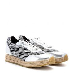 Pin for Later: Trouvez chaussure à votre pied en cliquant ici ! Baskets Stella McCartney mesh panel trainer (315 €)