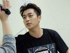 Dujun - Beast 150615 Back Stage Beautiful Show in Taiwan/naver entertain/starcast