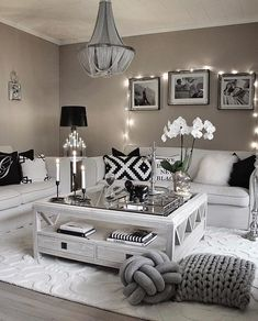 Here are 28 cozy living room decor ideas and everything you need to recreate these cozy living room vibes in your apartment. Here are 28 cozy living room decor ideas and everything you need to recreate these cozy living room vibes in your apartment. Living Room Decor Cozy, Living Room Grey, Home Living Room, Interior Design Living Room, Living Room Designs, Modern Interior, Living Room Themes, Interior Colors, Black White And Grey Living Room