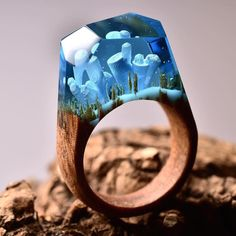 The jeweler Secret Wood (previously) has been producing even more miniature…