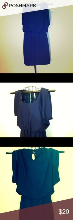"""Ladies Dress, """"Jodi Kristopher"""", size S, navy blue Jodi Kristorpher dress, size S, just below knee length, navy blue,short Dohlman layover shoulder sleeves, slit in center top shoulder folds over shoulder & drapes over arm reveals tip of arm/shoulder, 4 inch slit in back at neck, pre-owned very good condition, •shoulders- 16 inches across, •12 inch rounded neck, •bust-up to 20 inches+ &40 around, •waist- elastic band up to 17 inches across/34 around •hips -up to 20 inches across/40 around…"""
