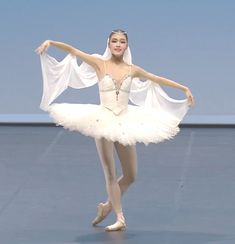 Ballet Costumes, Dance Costumes, Ballerina Poses, La Bayadere, Ballet Russe, Baby Ballet, White Tutu, Dance Wear, Ballet Skirt