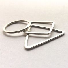 https://artisans.global/collections/jewellery/products/stacking-rings-shape Silver Stacking Rings for him or her. Handmade with Argentium Silver so these stackers wont tarnish. Buy 1 or a stack. Available in a variety of shapes and sizes. Find them instore now-link in bio-Happy Shopping!      #silver #argentium #rings #fingerbling #bling #jewellery #accessories #love #kawaii #cute #instacute #happy #gift #giftforher #giftforhim #artisansglobal #mothersday